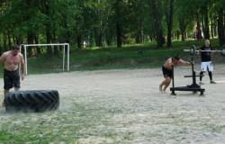 Виталий Минаков провел первую в Брянске КроссФит тренировку под открытым небом (видео, фото)