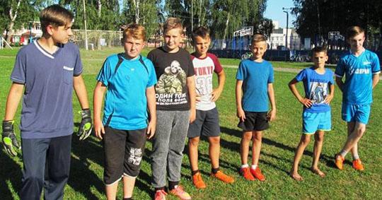 В Локте День физкультурника отметили футбольным турниром