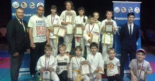 Юные брянские каратисты привезли с соревнований шестнадцать медалей разного достоинства