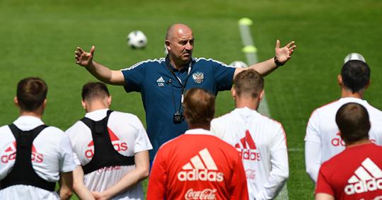 Соболев может заменить Луценко в сборной России