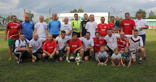 """В Стародубе состоялся масштабный футбольный праздник с участием детей, местных звёзд и """"Сборной мира"""""""