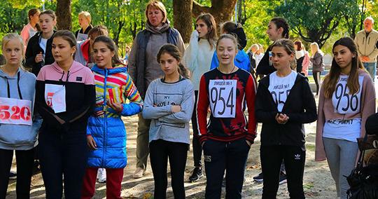 Школьники Советского района приняли участие в легкоатлетическом кроссе