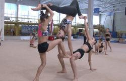 В Брянске проходит чемпионат города по спортивной акробатике