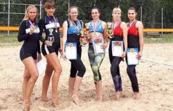 Брянские девушки выиграли первенство ЦФО по пляжному волейболу