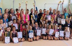 Брянские акробатки привезли из Орла 36 медалей и 13 кубков