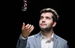 Ян Непомнящий с победы стартовал в турнире претендентов на Всемирную шахматную корону