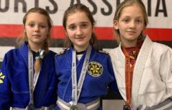 Брянские спортсменки завоевали 3 медали на чемпионате Москвы по джиу-джитсу