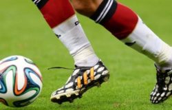 Типы футбольных щитков