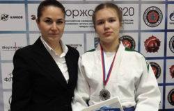 Дзюдоистка из Брянска завоевала серебро всероссийского турнира