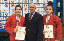 Брянские самбисты завоевали четыре медали на турнире в Смоленске