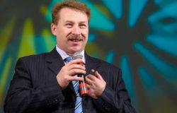 Поздравляем с днем рождения заместителя начальника спортуправления Олега Шевелева!