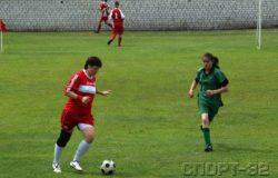 Женщины приходят в мужской футбол