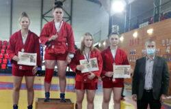 Брянские самбистки отличились на первенстве и чемпионате России