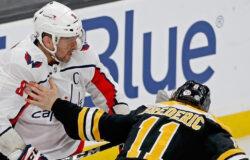 Александр Овечкин ударил соперника клюшкой в пах и стал первой звездой матча