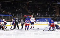 В НХЛ произошла массовая драка на первой секунде матча