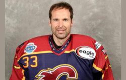 Петр Чех продолжит свою хоккейную карьеру
